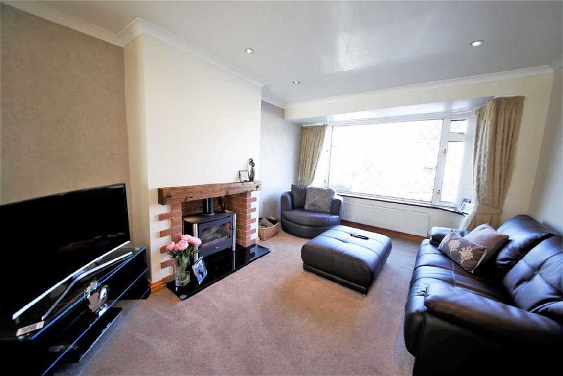 Greetlands Road, Sunderland :LIVING ROOM (front)