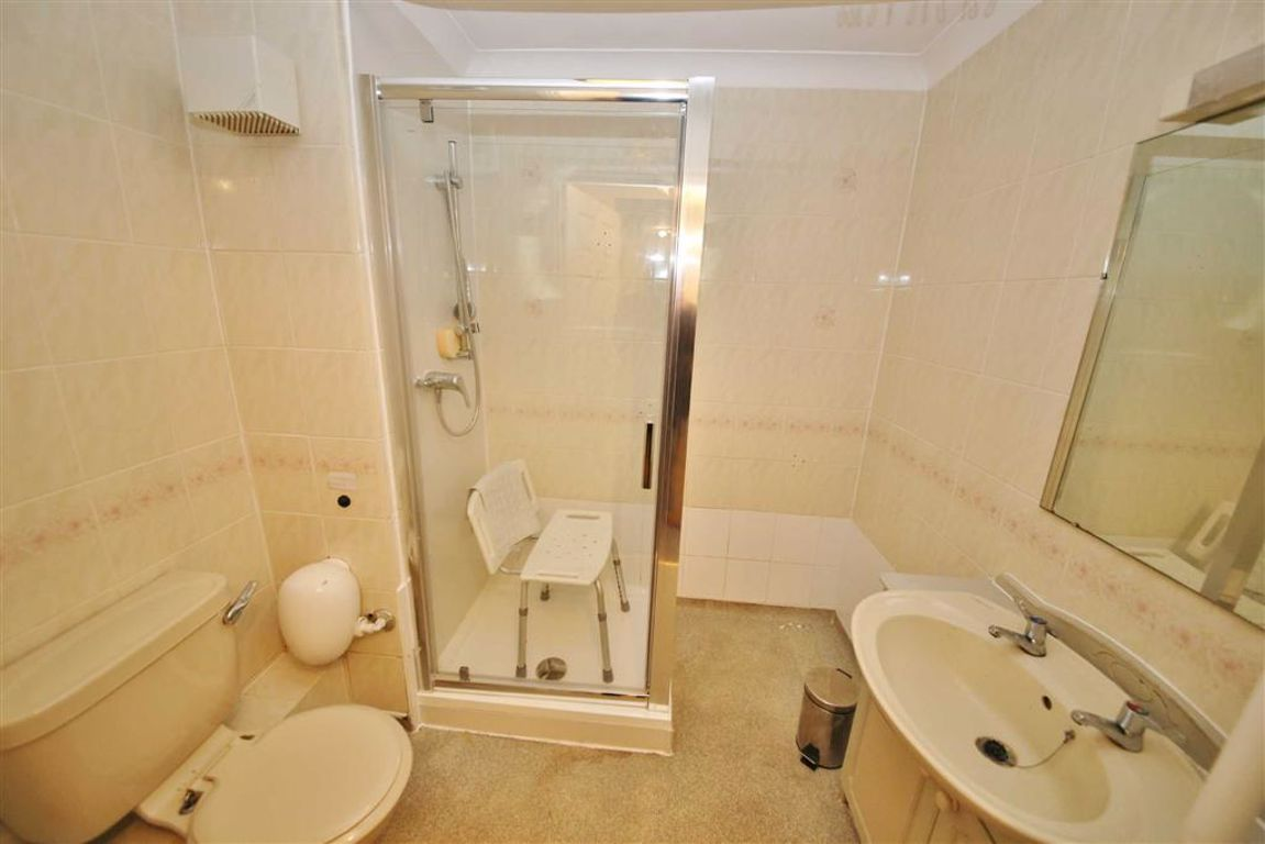Sanford Court, Sunderland :SHOWER ROOM/WC